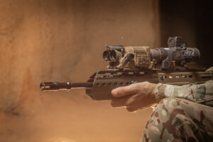 Close up image of QioptiQ Talon fused weapon sight for the assualt weapon